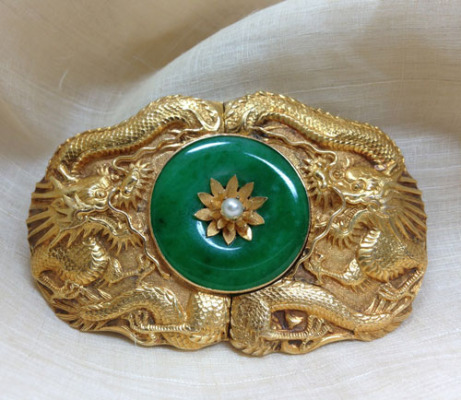 A superb 18K gold and Jadeite, Dragon Buckle