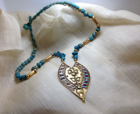 Afghan faience and Indian gold
